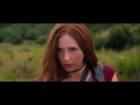 Jumaji: Welcome to the Jungle | Karen Gillan | Sexy Dance and Fight Scene | 1080p