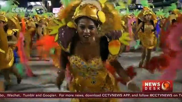 Rio 2016: Volunteers dance to the Brazilian beat
