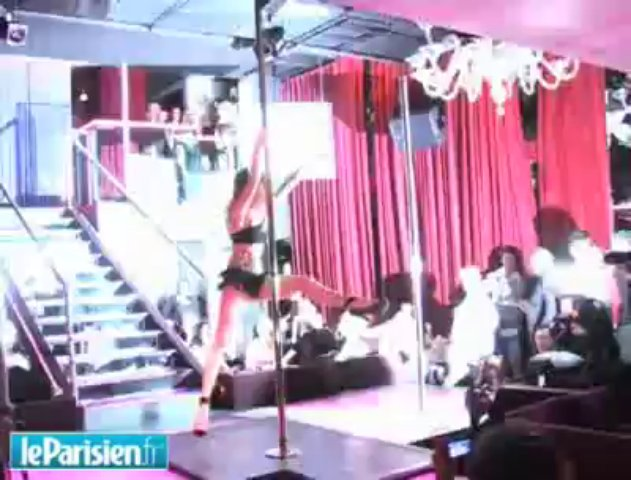 Strip-tease et pole dance au Pink Paradise