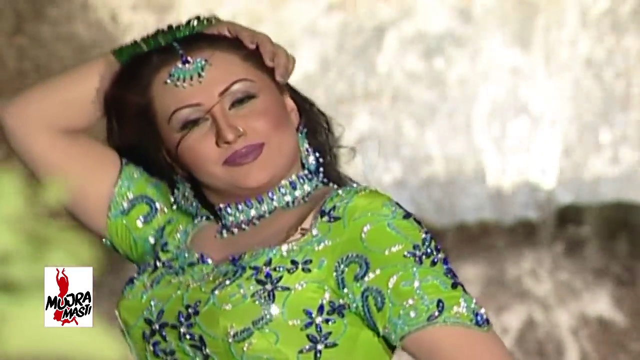 SEXY NARGIS MUJRA – WAH PURE DI AISI AAYI – PAKISTANI MUJRA DANCE