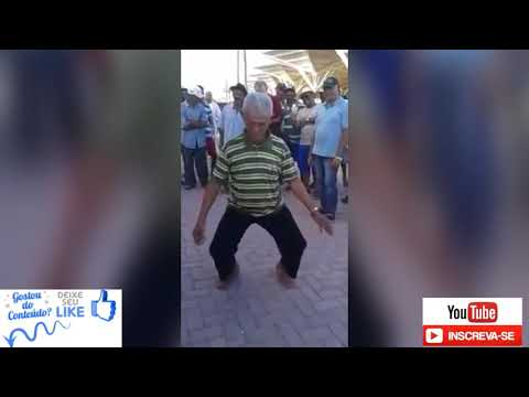 Velho Dançando forró do creu 🎶🎶