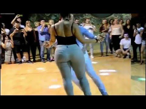 رقص فتاة غاية في الجمال والحركات روعة  Salsa Dance