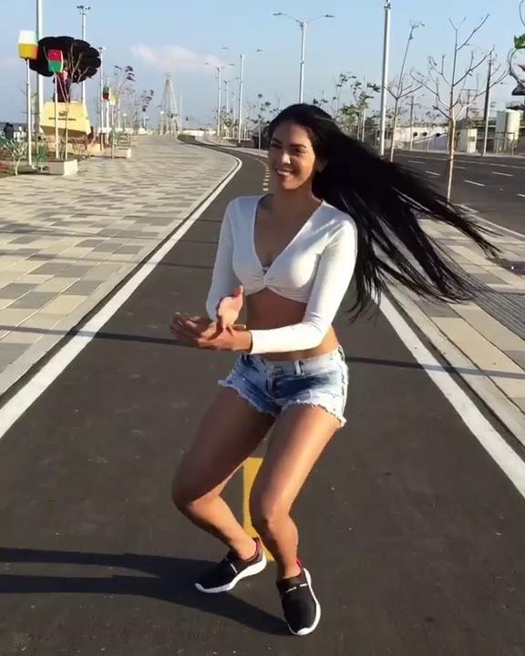 Vane Arrieta – Latina Hermosa Baila – Fuego (Koffee El Kafetero Ft Wilfran Castillo ) Challenge Dance