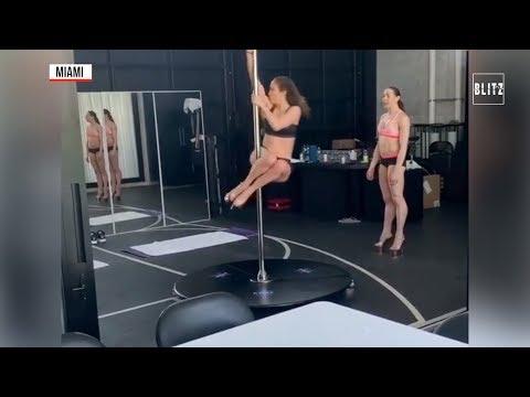 Jennifer Lopez a lezione di pole dance: a 49 anni più sexy che mai
