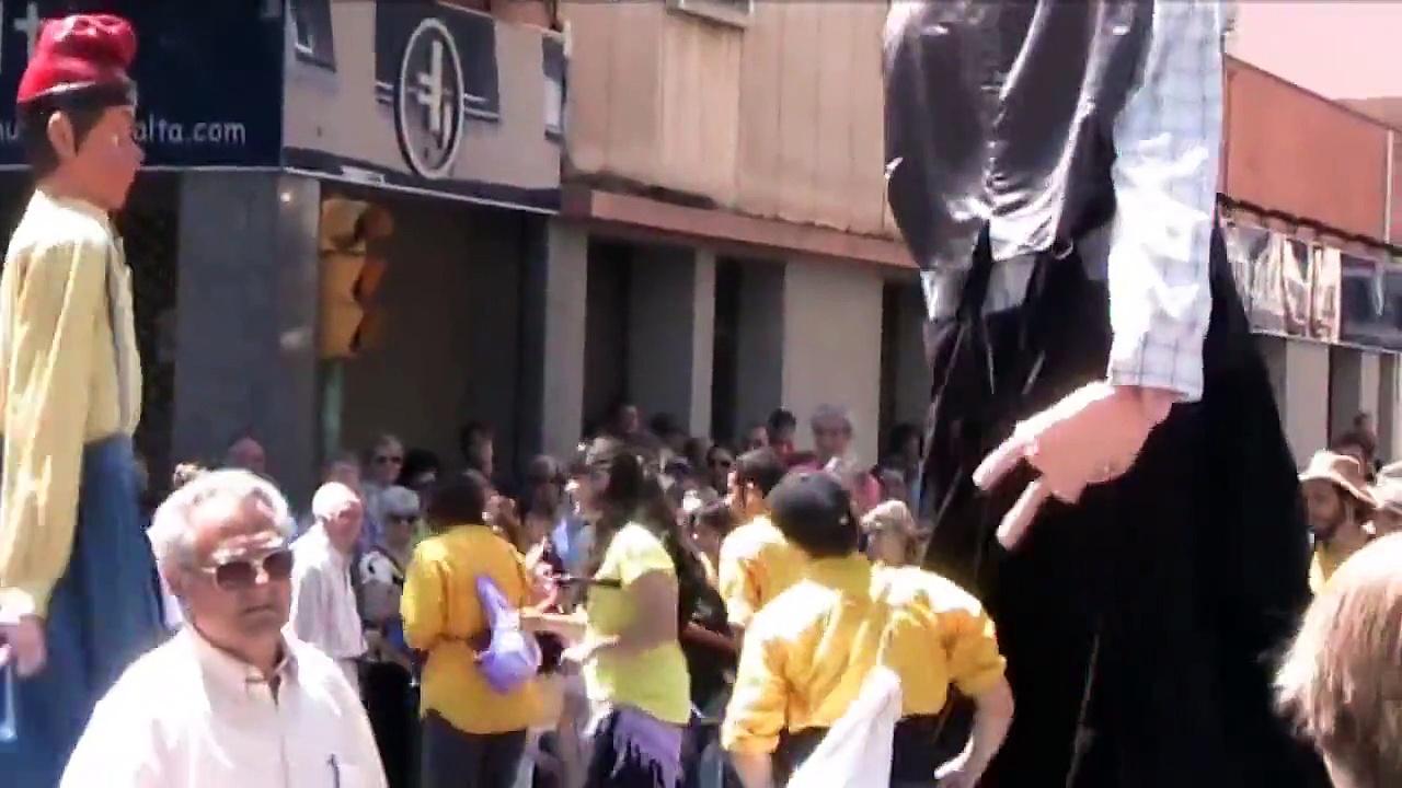 """Festa Major Creu Alta 2010 – Els Gegants de la Concòrdia ballant el """" Ei, dubi dubi """""""