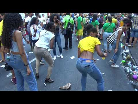 BRAZILIAN GIRLS DANCE AT BRAZIL CARNIVAL PARADE 2018 – BRAZILIAN GIRLS DANCE TO SAMBA