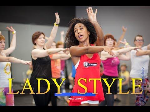 Salsa cubana Lady style (Woman salsa dance lessons), estilo femenino en salsa rumba #SalsaCubana