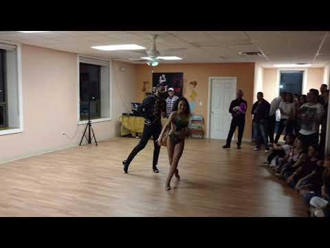 Salsa Latina – Dance Studio